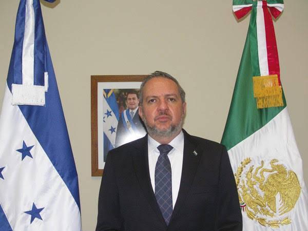 """""""Como hermanos latinoamericanos debemos ayudarnos """": Gerardo Alberto Simón Yerres"""