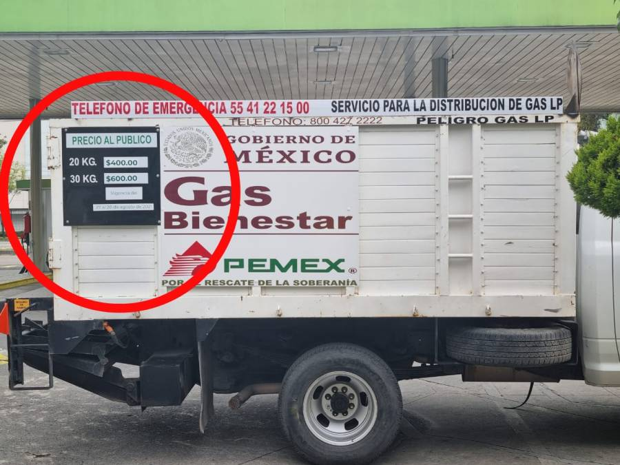 """Vecinos se quejan por el precio del """"gas bienestar"""" ya que su precio fue de 400 pesos."""