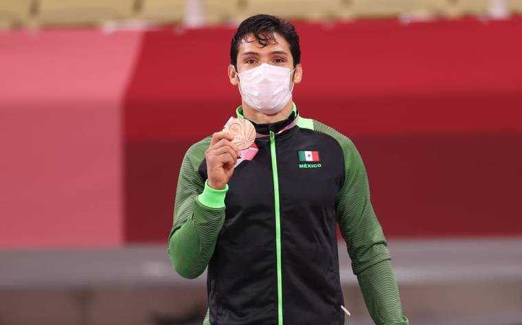 López Obrador felicita a los medallistas paralímpicos