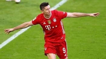 Robert Lewandowski supera los 300 goles con Bayern