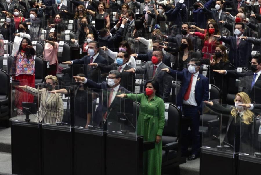 Toman protesta a nuevos integrantes de la 65 Legislatura de la Cámara de Diputados