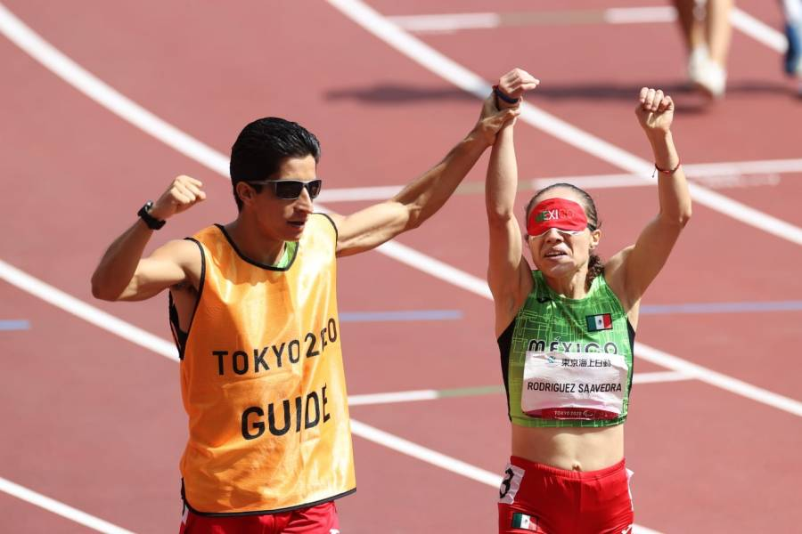 México consigue su oro número 100 en paralímpicos; Mónica Rodríguez gana mil 500 m T11