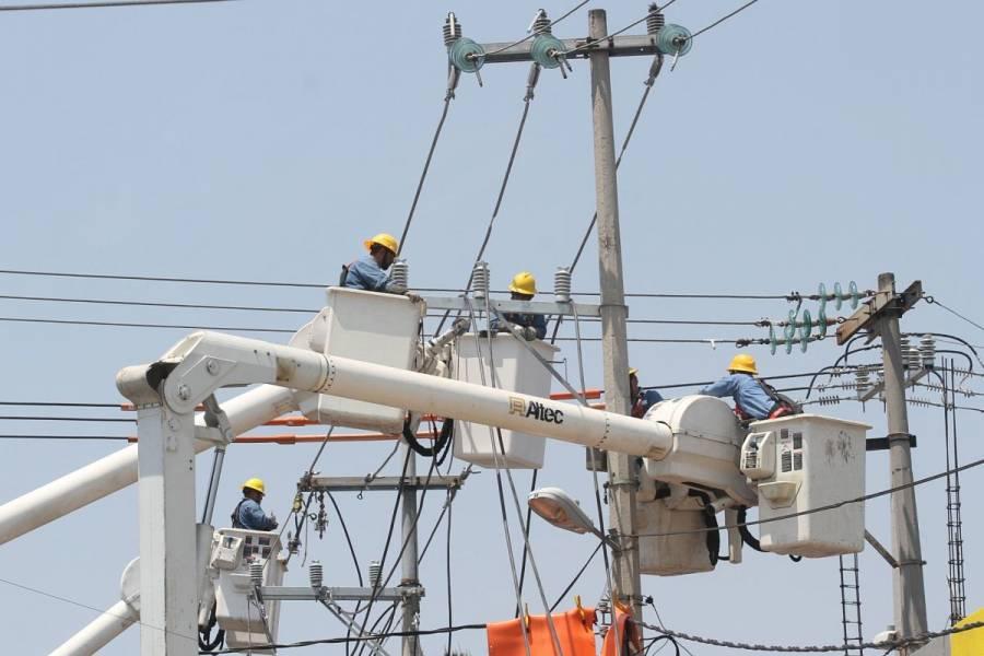 CFE restablece el 100% del servicio de luz tras paso de 'Grace'