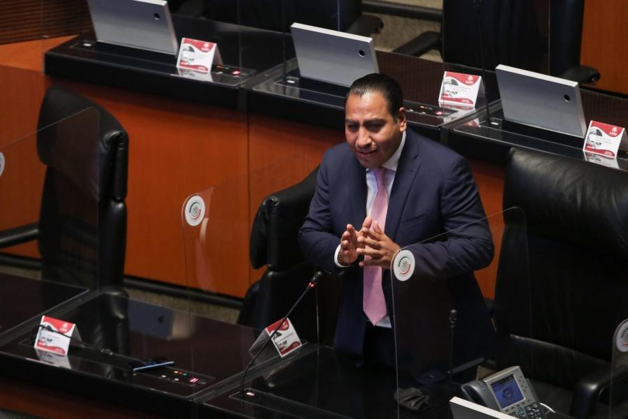 Senadores reconocen labor de Eduardo Ramírez al frente de la Mesa Directiva