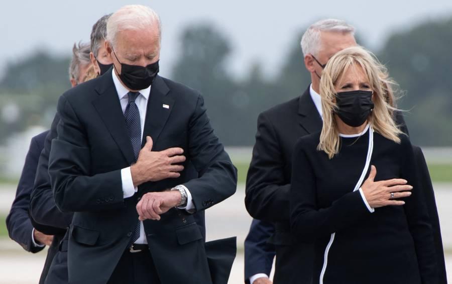 Biden se reúne con familiares de soldados