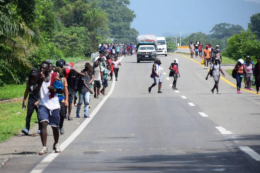 AI reprueba agresiones hacia migrantes; reinician caravana hacia EEUU