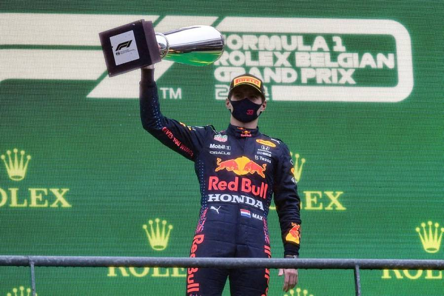 Max Verstappen, vencedor de un GP de Bélgica reducido a dos vueltas