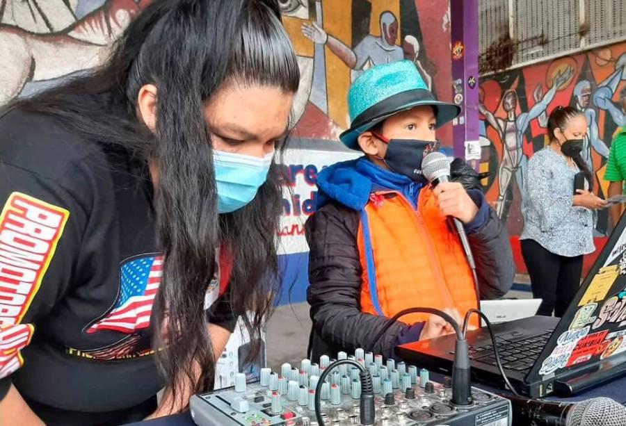 Imparten taller a niños sobre la cultura sonidera