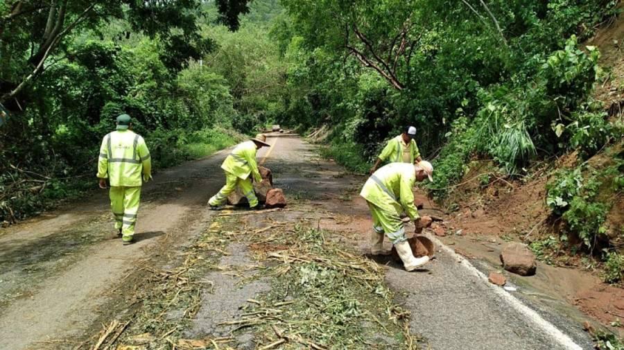 SCT atiende daños en carreteras ocasionados por 'Nora'