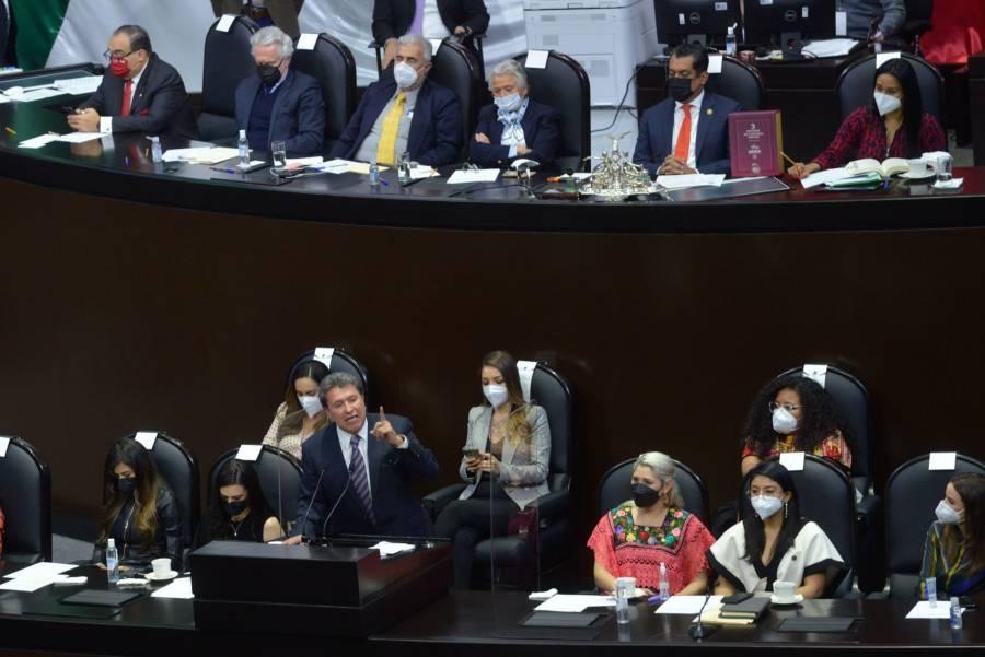 """Monreal rechaza """"obediencia ciega"""" al Ejecutivo"""