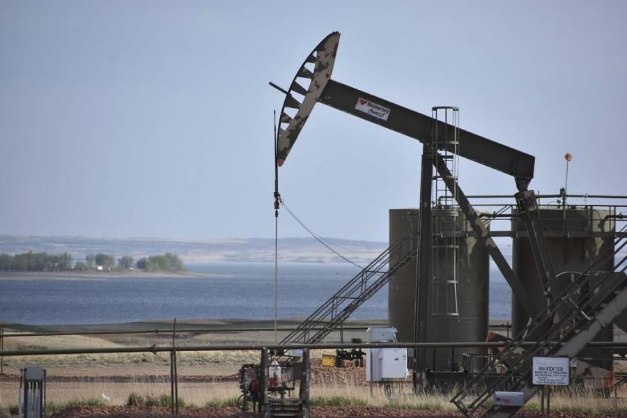 La OPEP+ acuerda mantener plan para aumento de producción de petróleo