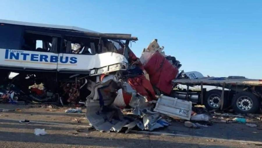 En Sonora al menos 16 personas fallecieron debido a un accidente en la carretera Sonoyta-SLRC