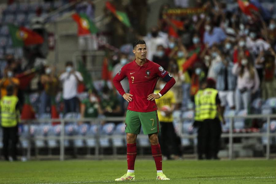 Cristiano Ronaldo arrebata el número 7 a Edinson Cavani