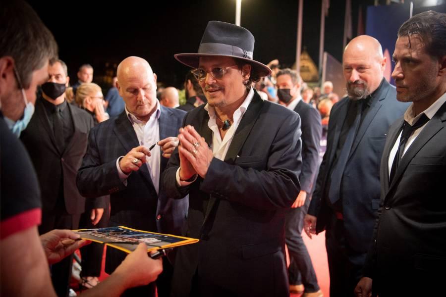 Johnny Depp presenta