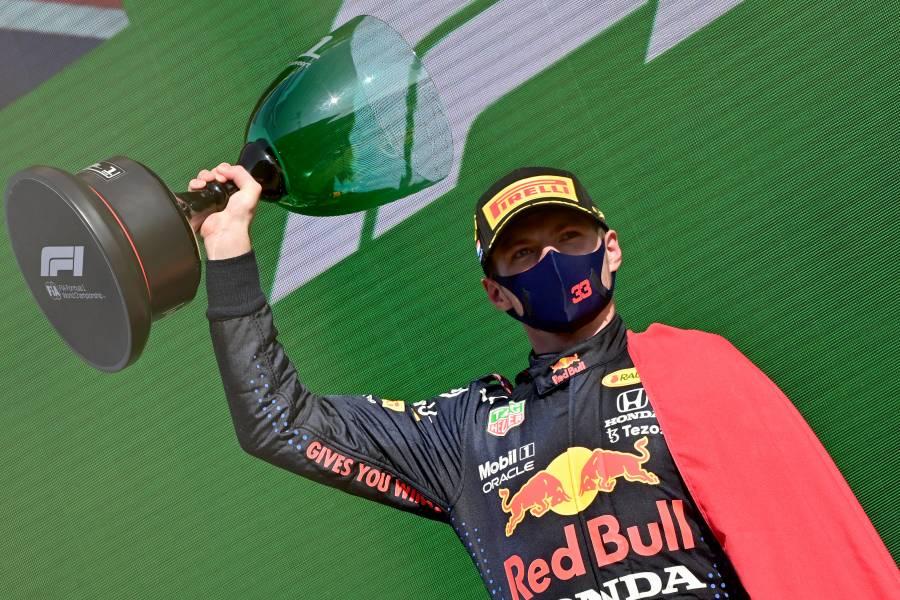 """En casa, Verstappen se lleva el GP de Países Bajos; """"Checo"""" termina octavo"""