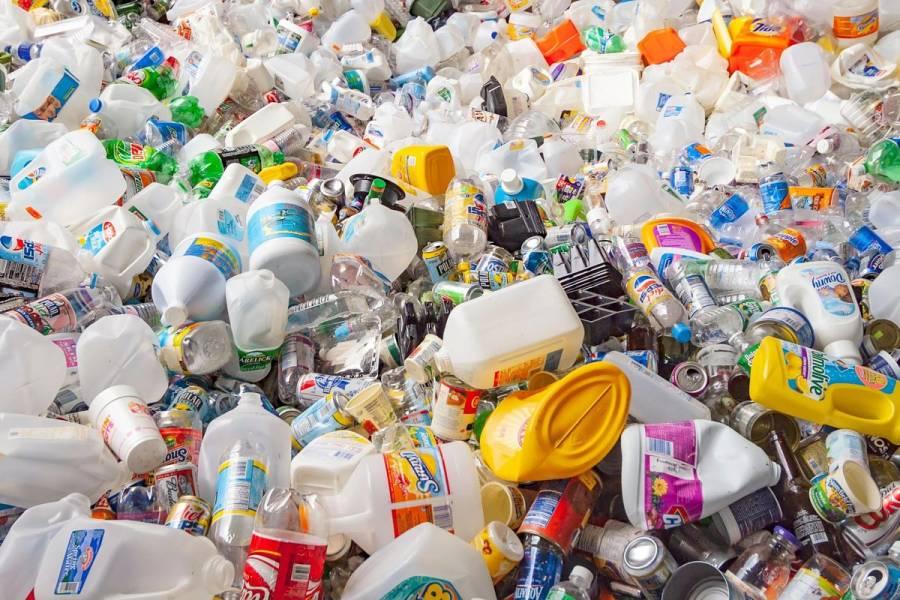 El plástico le cuesta al mundo 3.7 billones de dólares al año, advierte WWF