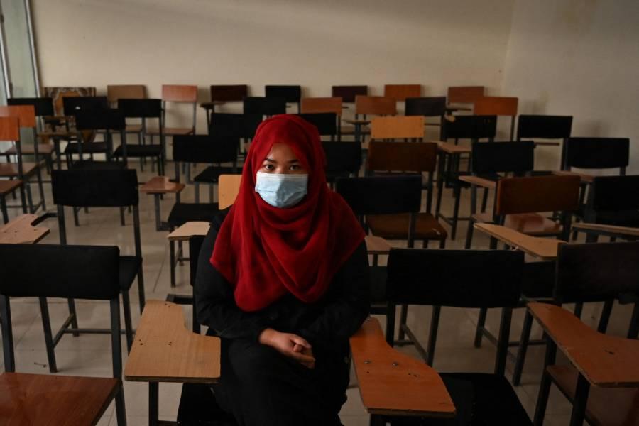 Universidades de Afganistán casi vacías tras medidas de segregación