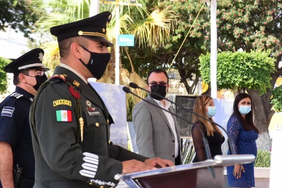 """Ayuntamiento de Soledad, exhibe galería """"Ejército y Fuerza Aérea, la Gran Fuerza de México"""