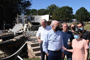 """El mundo está en """"alerta roja"""" por el cambio climático: Biden"""
