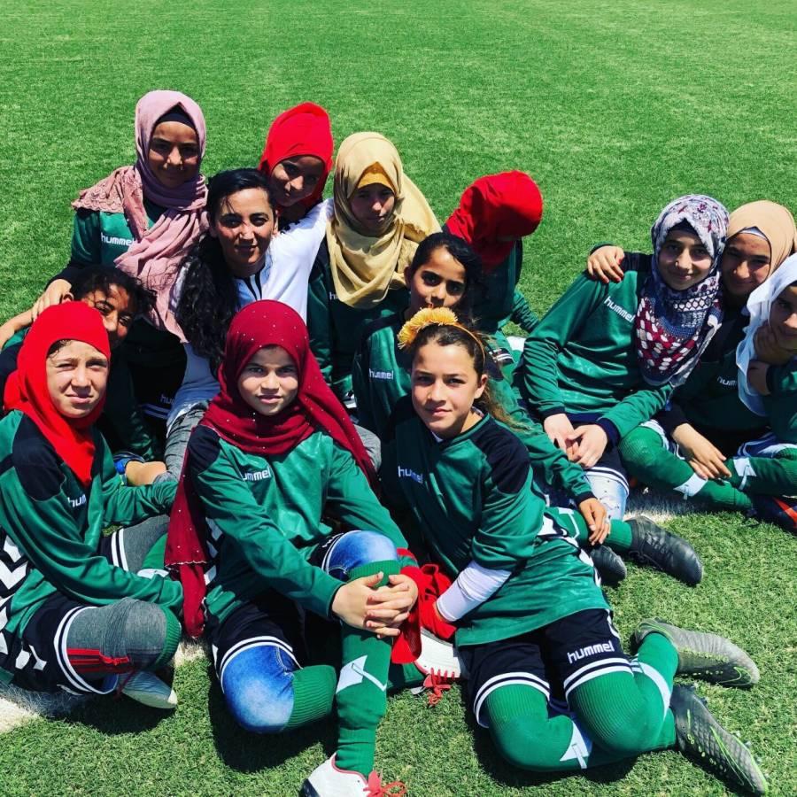 Talibanes prohiben a las mujeres practicar deporte