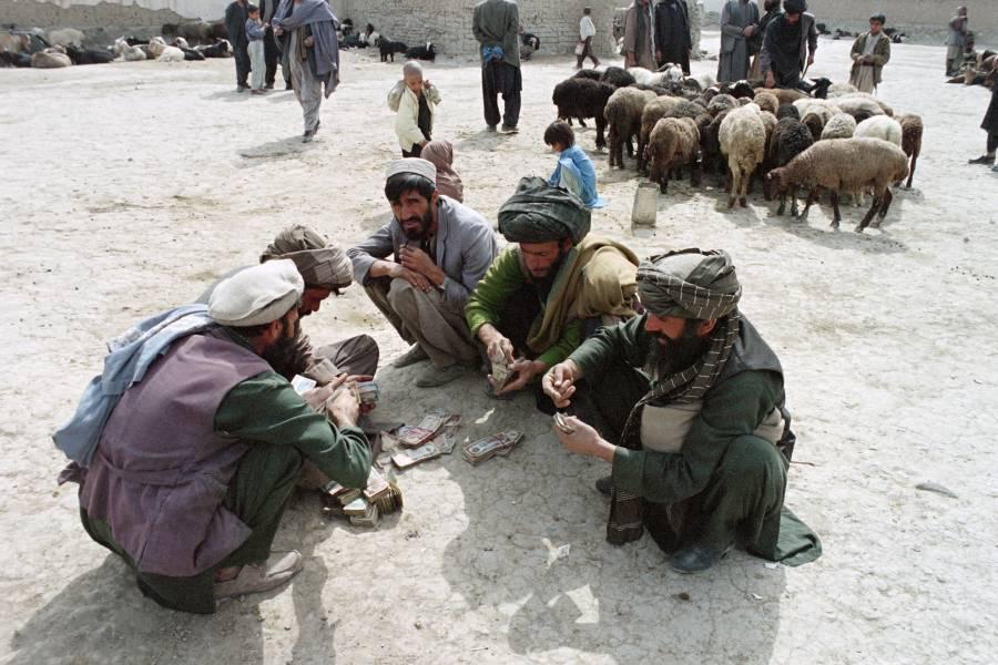 China celebra la culminación de la anarquía en Afganistán