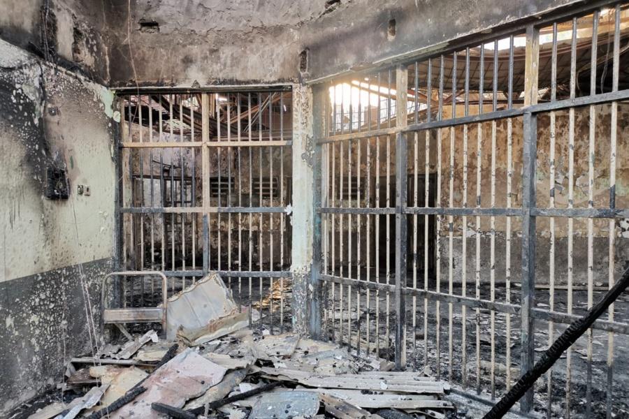 Incendio en una cárcel sobrepoblada deja 41 muertos en Indonesia
