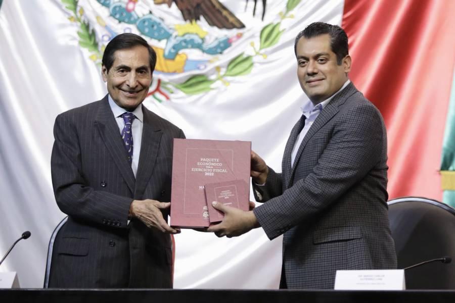 Ramírez de la O entrega Paquete Económico 2022 en la Cámara de Diputados