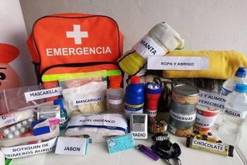 ¿Qué debe incluir una mochila de emergencia en caso de sismo u otro desastre natural?