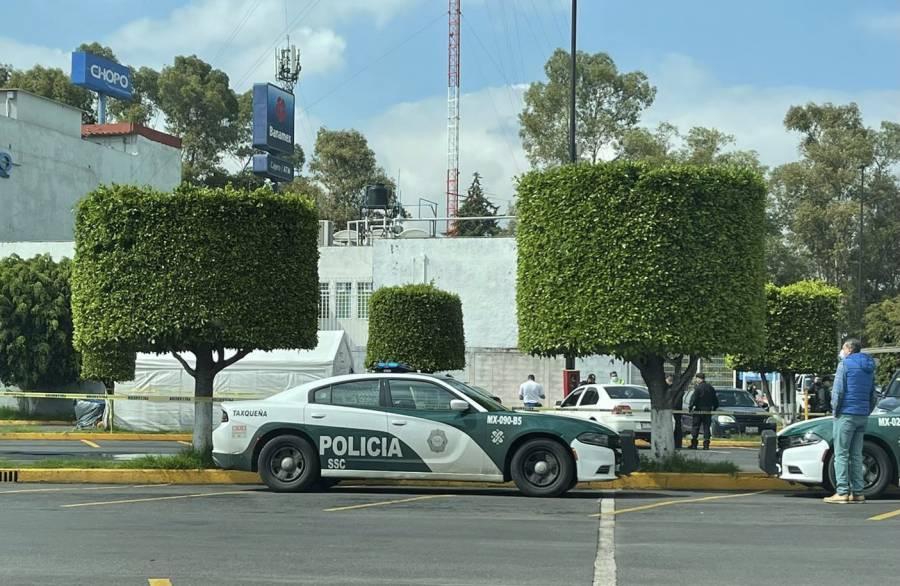 Asesinan a una mujer en un estacionamiento de Walmart en Coyoacán