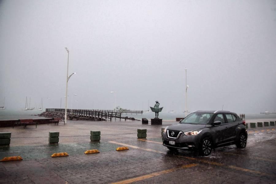 "Baja California Sur en alerta roja por huracán ""Olaf"""