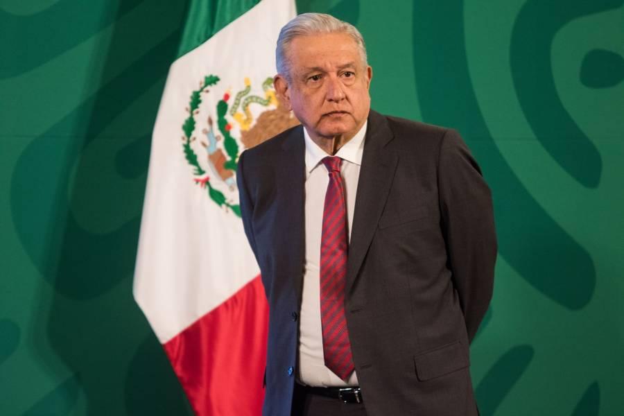 AMLO critica salarios de los presidentes del INE y TEPJF