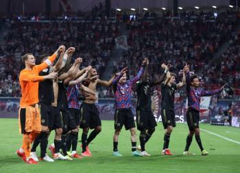 Bayern Múnich golea 4-1 al RB Leipzig y se está cerca del líder Wolfsburgo