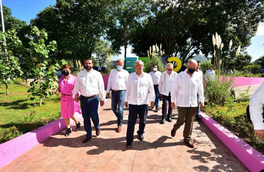 AMLO inaugura CREE en Nayarit e informa acuerdo con Teletón para entregarle recursos públicos