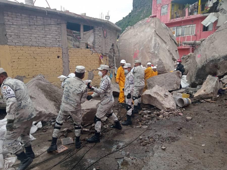 La Guardia Nacional ayuda a desalojar a familias ante el riesgo de nuevos deslaves en el Cerro de Chiquihuite