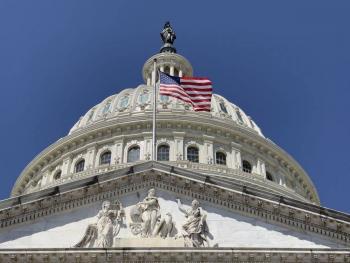 Sancionan a seis policías por conducta durante asalto al Capitolio en EEUU