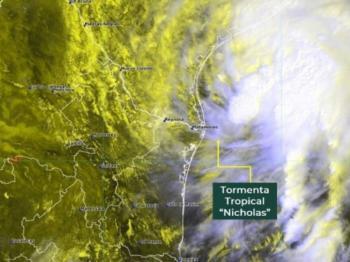 """""""Nicholas"""" cerca de convertirse en huracán; amenaza a Tamaulipas y Texas"""