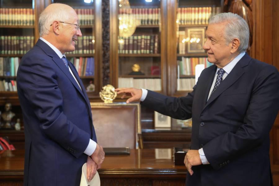 Ken Salazar, embajador de EEUU, entrega cartas credenciales a AMLO