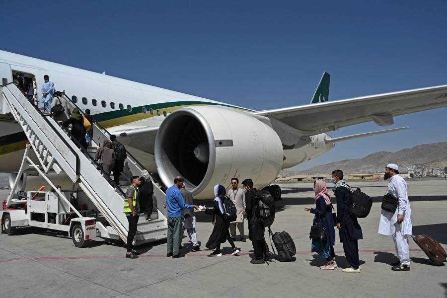 ONU reanuda vuelos humanitarios a Afganistán