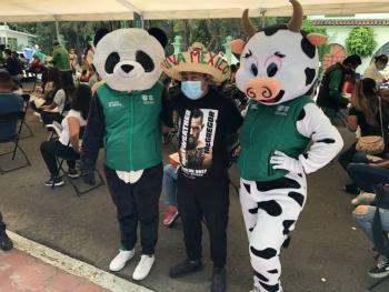 Pandemio tiene una nueva amiga: ¡Una vaca que se llama Vacuna!