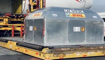 Llega al AICM nuevo cargamento con 585 mil dosis más de vacuna Pfizer