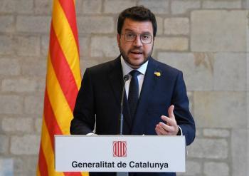 """Gobierno español e independentistas catalanes tienen posturas """"muy alejadas"""""""