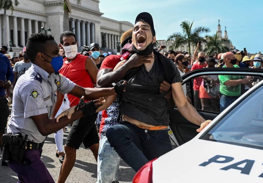La UE pide a Cuba liberar a detenidos tras protesta de julio