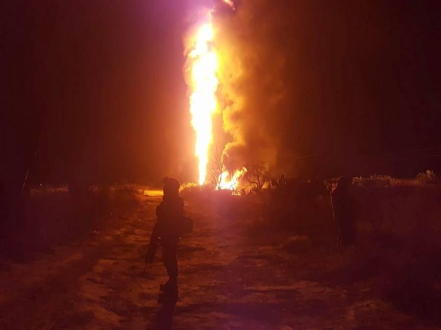 Se registra incendio en toma clandestina de Pemex en Acolman