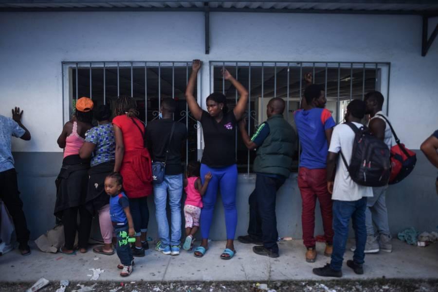 Ordena juez a gobierno de EEUU usar pandemia para expulsar migrantes