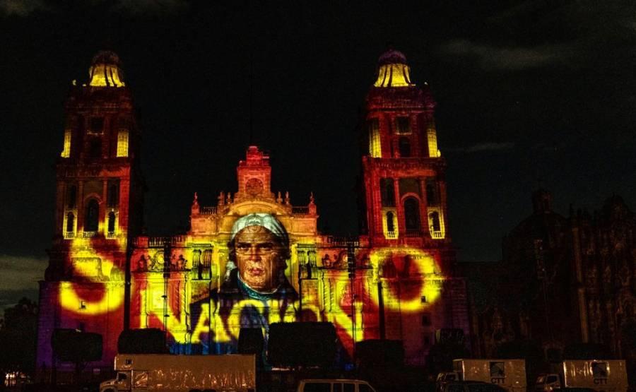 Segundo año de grito en Zócalo vacío pero majestuoso