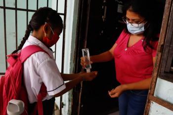 Por pandemia, un tercio de menores asiste a clases presenciales en Latinoamérica: Unicef