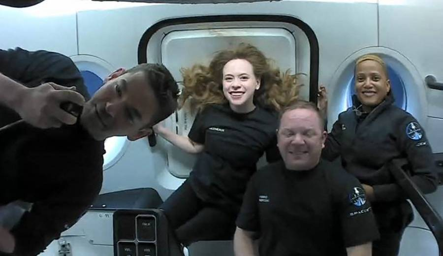 La tripulación del SpaceX hablaron con Tom Cruise desde el espacio