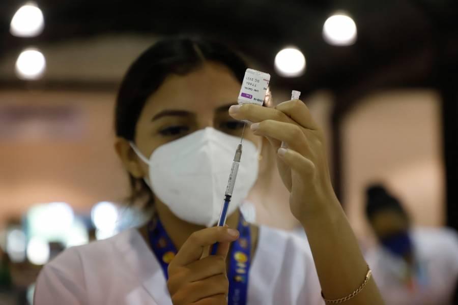Amparos logran vacunar a 50 menores de edad en la CDMX