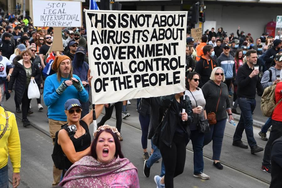 Detienen en Melbourne a más de 200 personas por protestas contra el confinamiento
