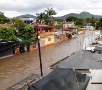 Lluvias en Morelos desbordan ríos y barrancas